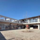 2階の屋根には12.4kwの太陽光がのっています。