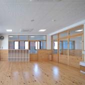 全教室、床暖房です。冬も暖かく過ごせます。